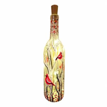 10008326 whimsical cardinals wine bottle w fairy lights